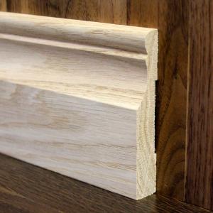 плинтус из массива дуба фигурный деревянный