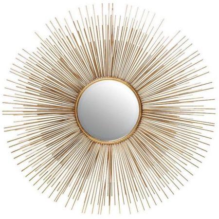 настенное зеркало в золотой раме