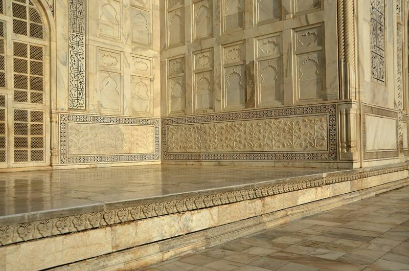 Дадо на стенах Тадж Махала