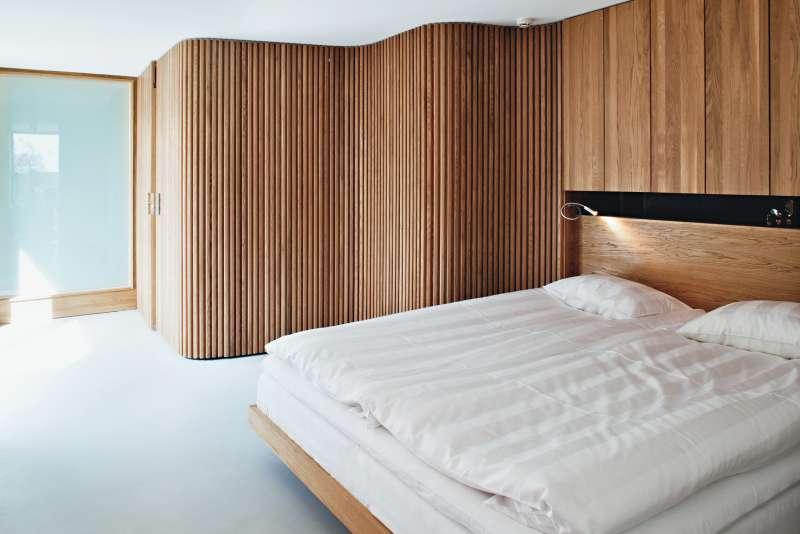 шкафы в спальне  источник
