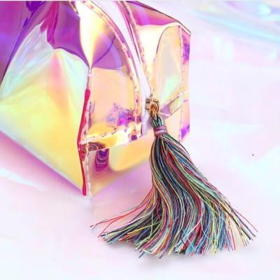 косметичка из многоцветного радужного материала