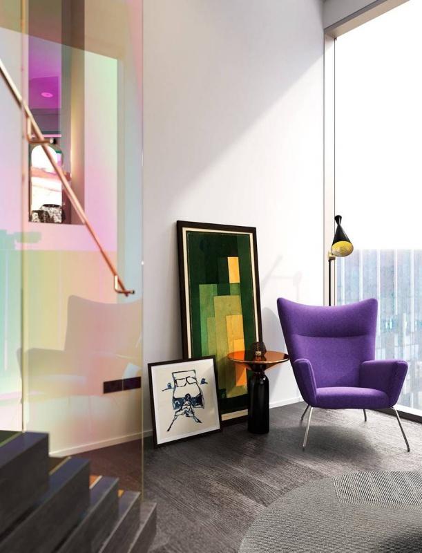 радужное стекло в интерьере (фото: www.tomdixon.net)