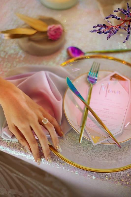 радужный тренд в оформлении свадеб (фото: www.ninirichi.co.za)