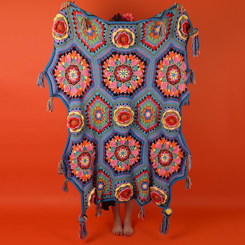 Frida Flowers Blanket 2.jpg