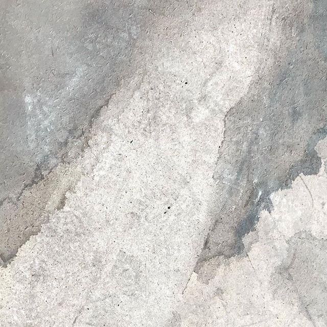 Achromatic love . . . . . #achromatic #colour #grey #stone #concrete #tiles #texture #minimal #surface #material #interior #architecture #interiordesign