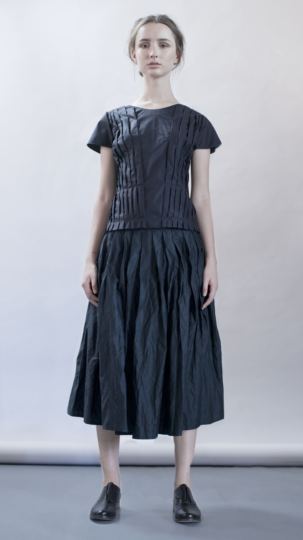 distortion collection  cloud 9 top  pleats skirt