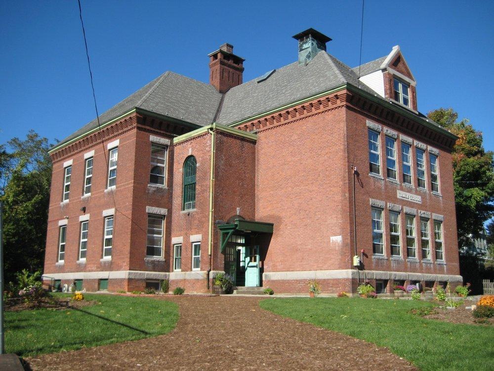MonadnockWaldorf_HS_campus1.jpg