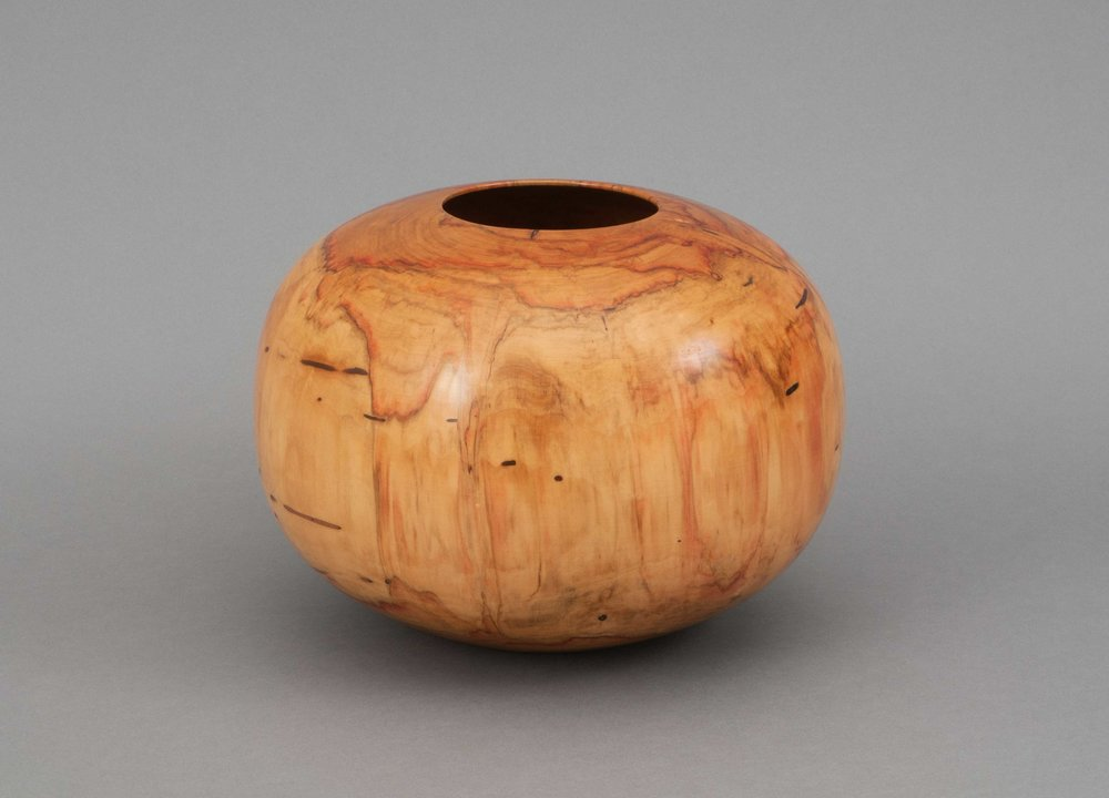 Fig. 16.  Ed Moulthrop, United States.  Untitled #22-82 , 1989. Ash leaf maple. 9 1/2 x 12 ½ in. dia. Donated by Bruce and Marina Kaiser. The Center for Art in Wood's Museum Collection. OBJ 1098. Photo: John Carlano