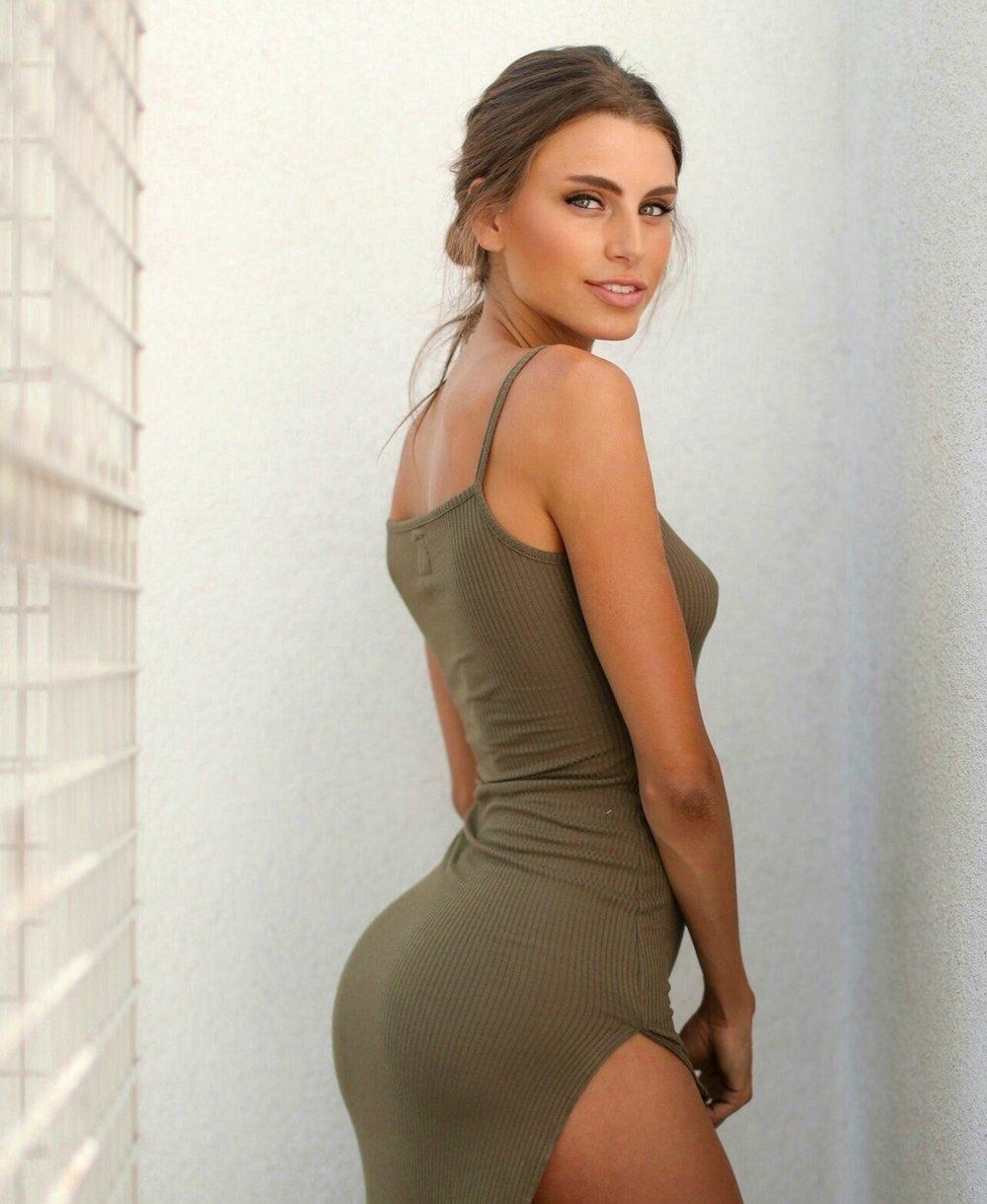 Brooke_Swallow_model.jpg
