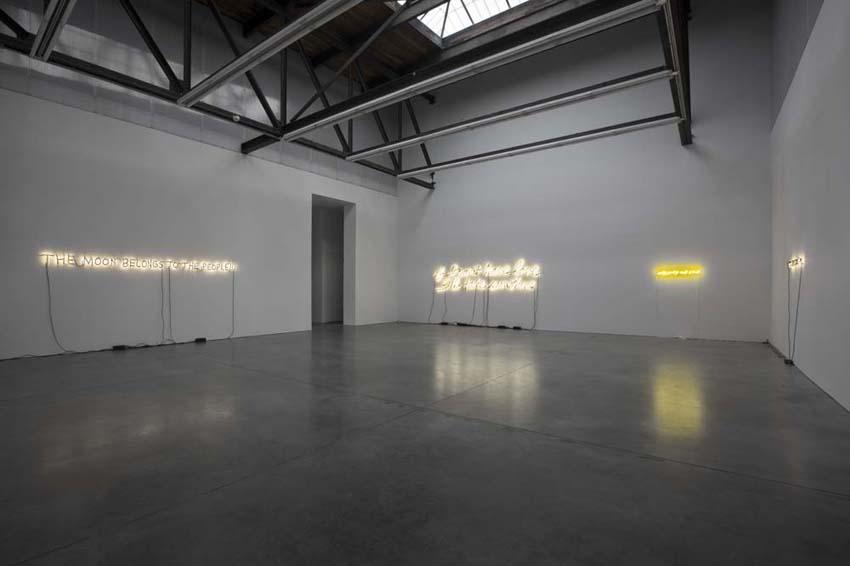 Glenn Ligon: Neon, Luhring Augustine, NY