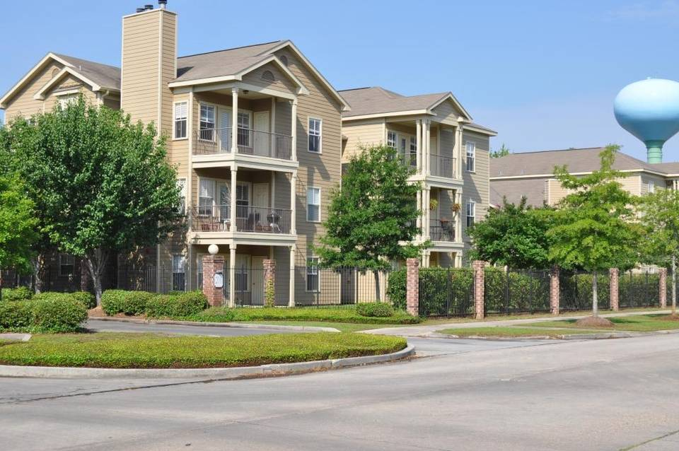The apartment complex in Mandeville, Louisiana that sold for $25.75 million. Tate Capital