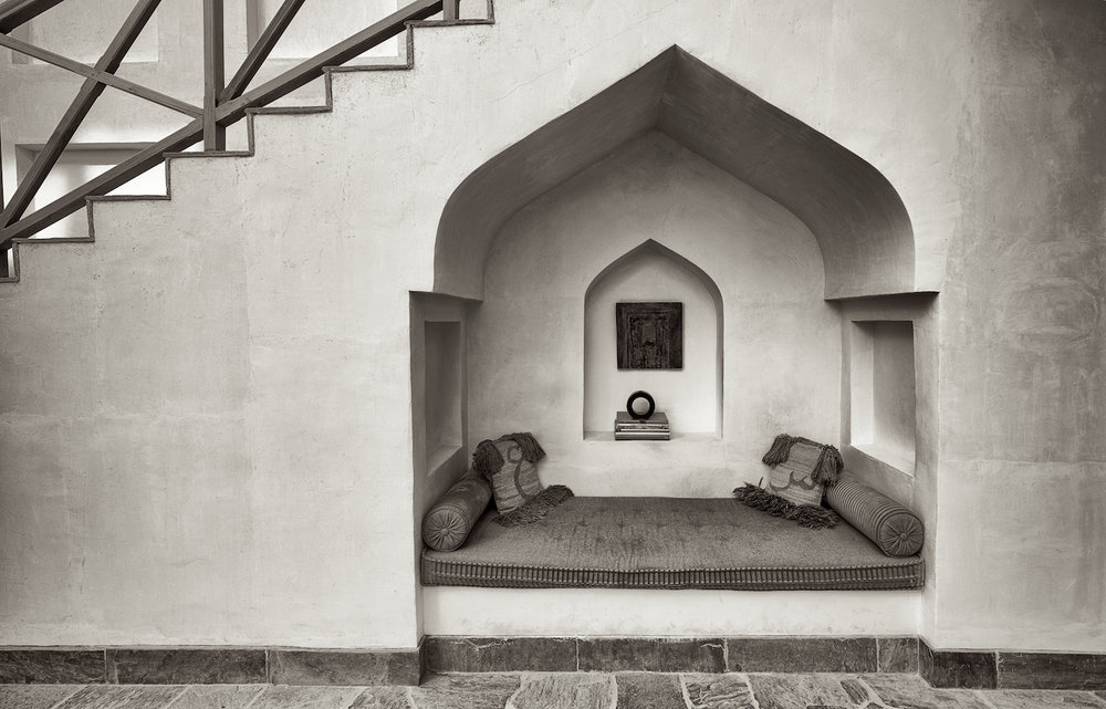 Alcove. Muharraq, Bahrain. Photography by John Grummitt.