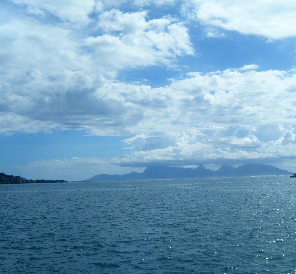 Moorea from Papeete.jpg