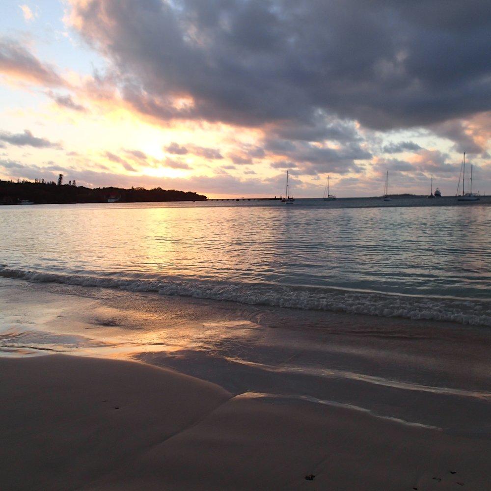 Kuto Bay sunset 3.jpg