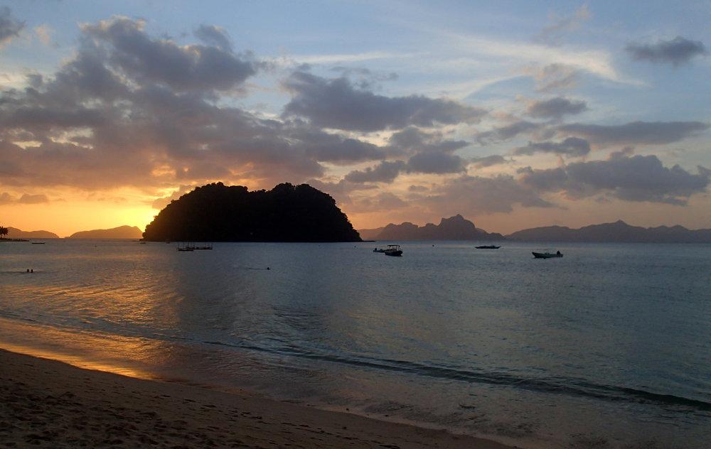 awesome sunset shot Las Cabanas.jpg