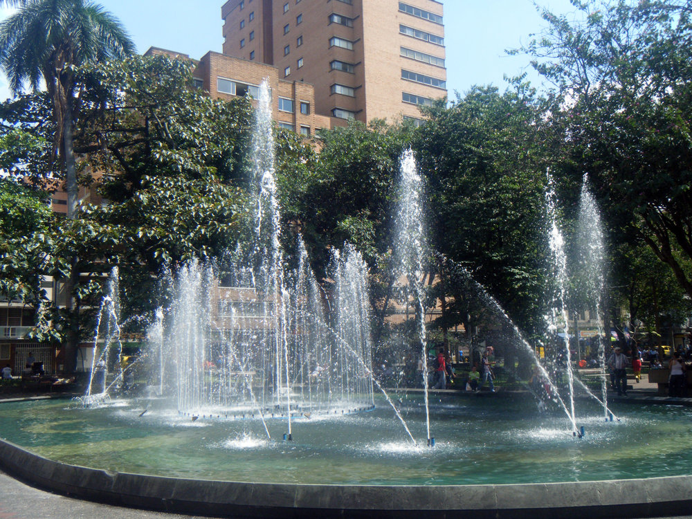 Parque de Bolivar Medellin.jpg