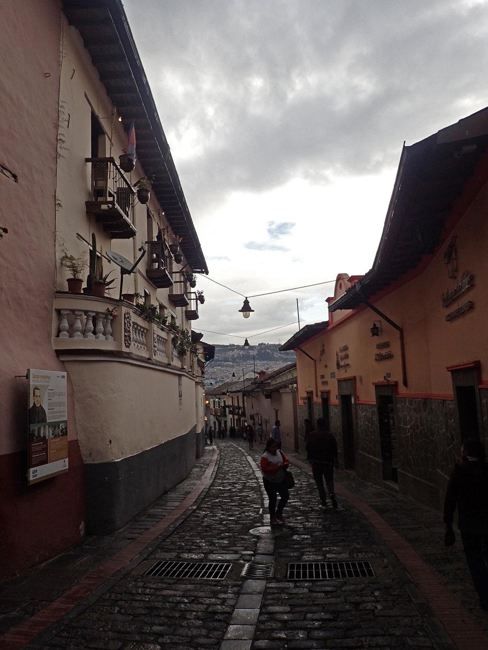 La Ronda Quito.jpg