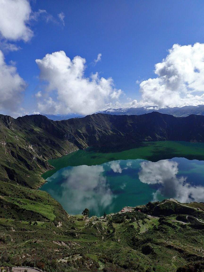 Quilotoa Lagoon.jpg