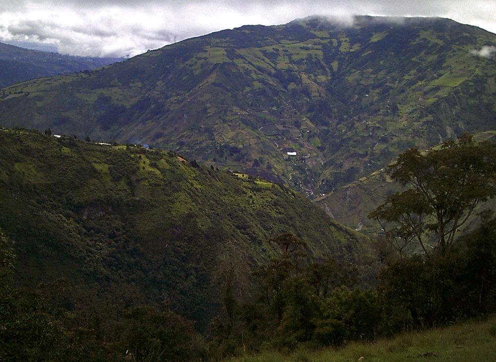 mountains behind Banos.jpg