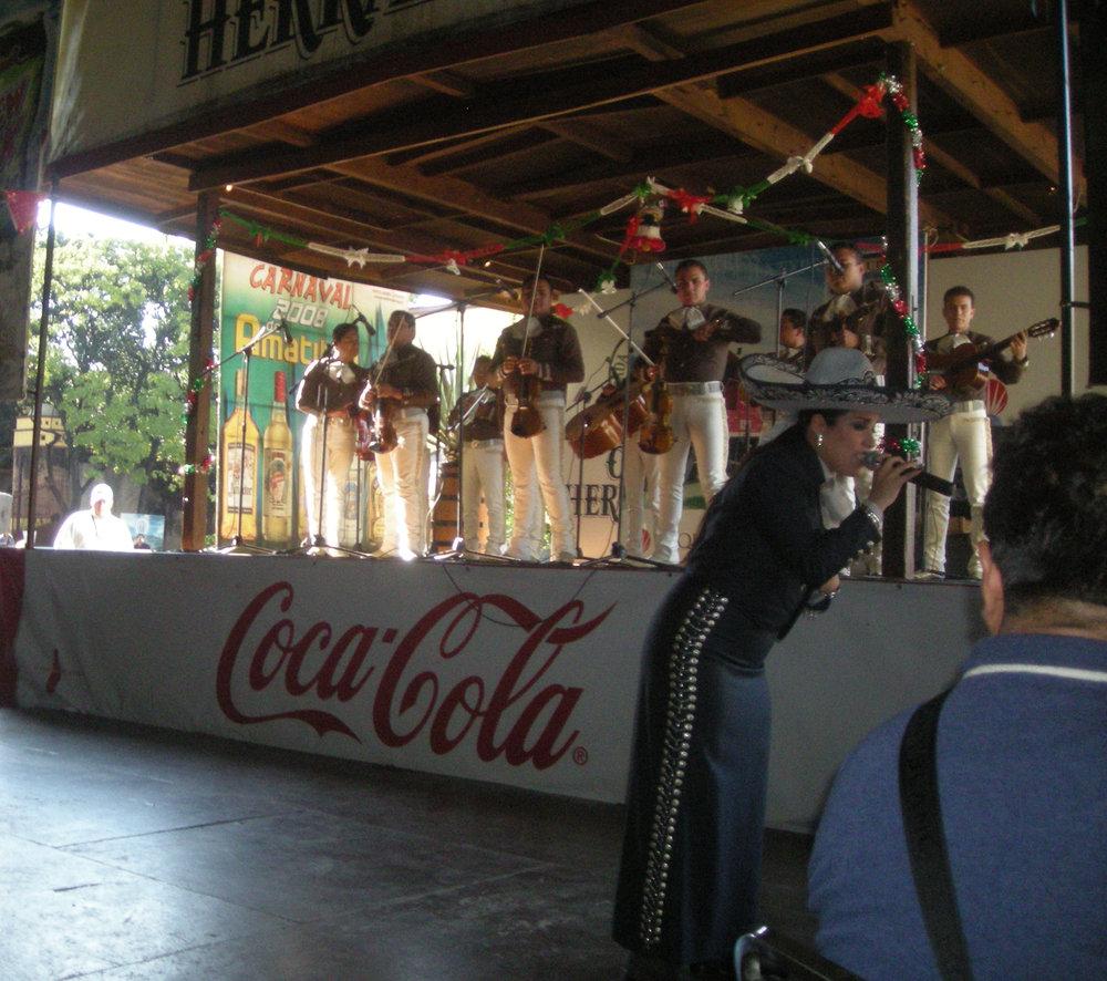 mas mariachi.jpg