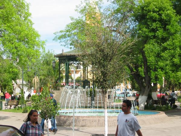 nuevo laredo plaza.jpg