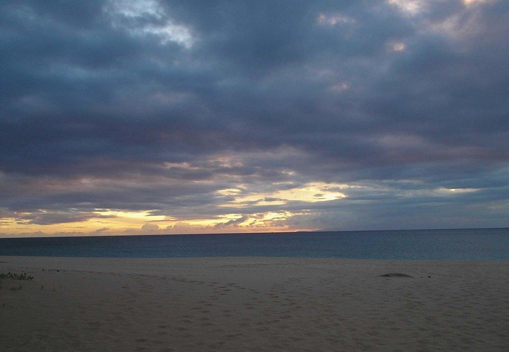 papohaku sunset.jpg