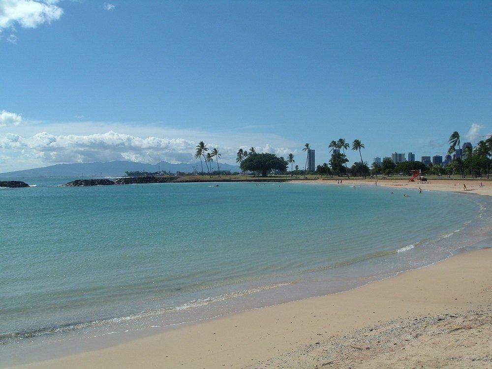 ala moana beach4.jpg