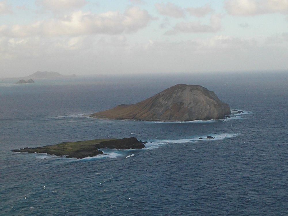 rabbit island from makapuu point.JPG