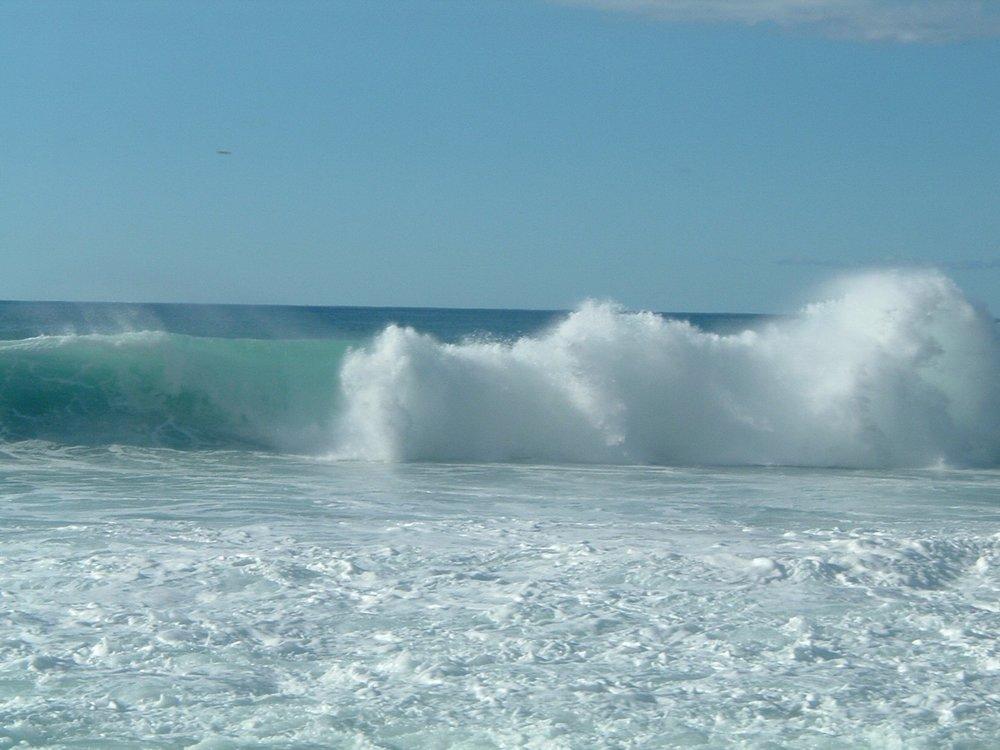big ass wave at ehukai.jpg