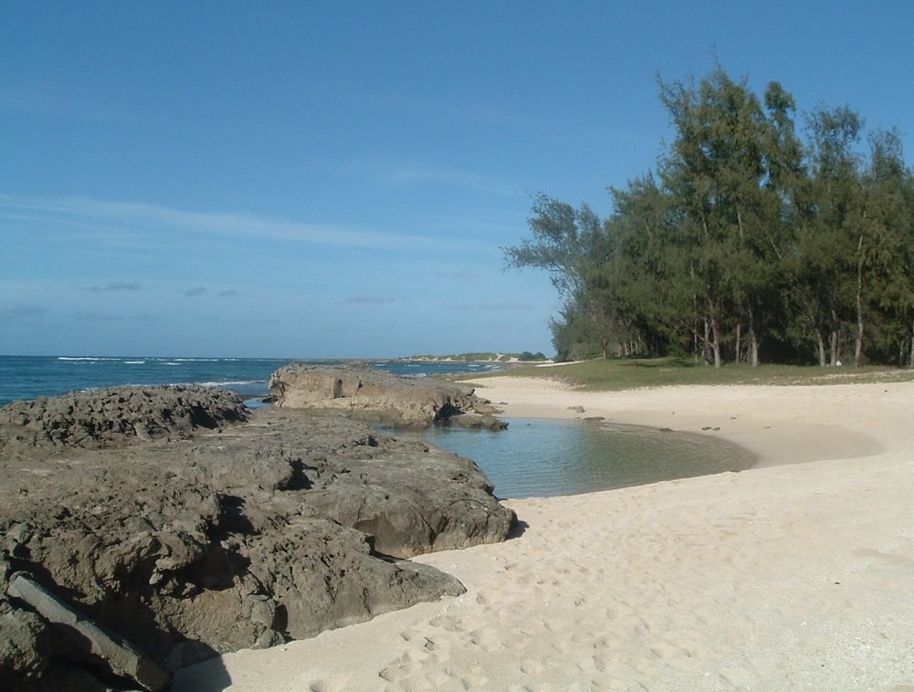 kaihalulu beach 10-20-04.jpg