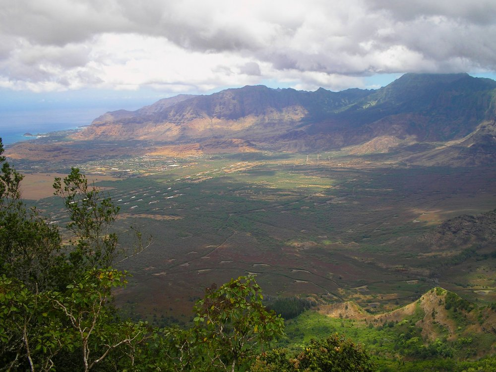 lualualei and waianae valleys.jpg