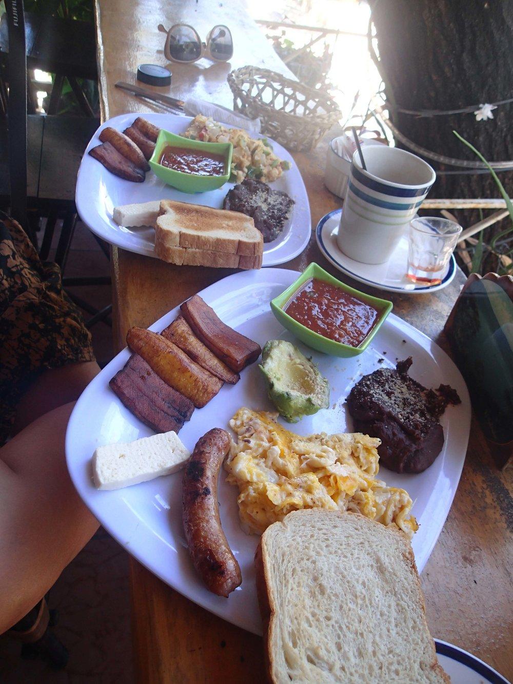 El Salvadorean breakfast.jpg