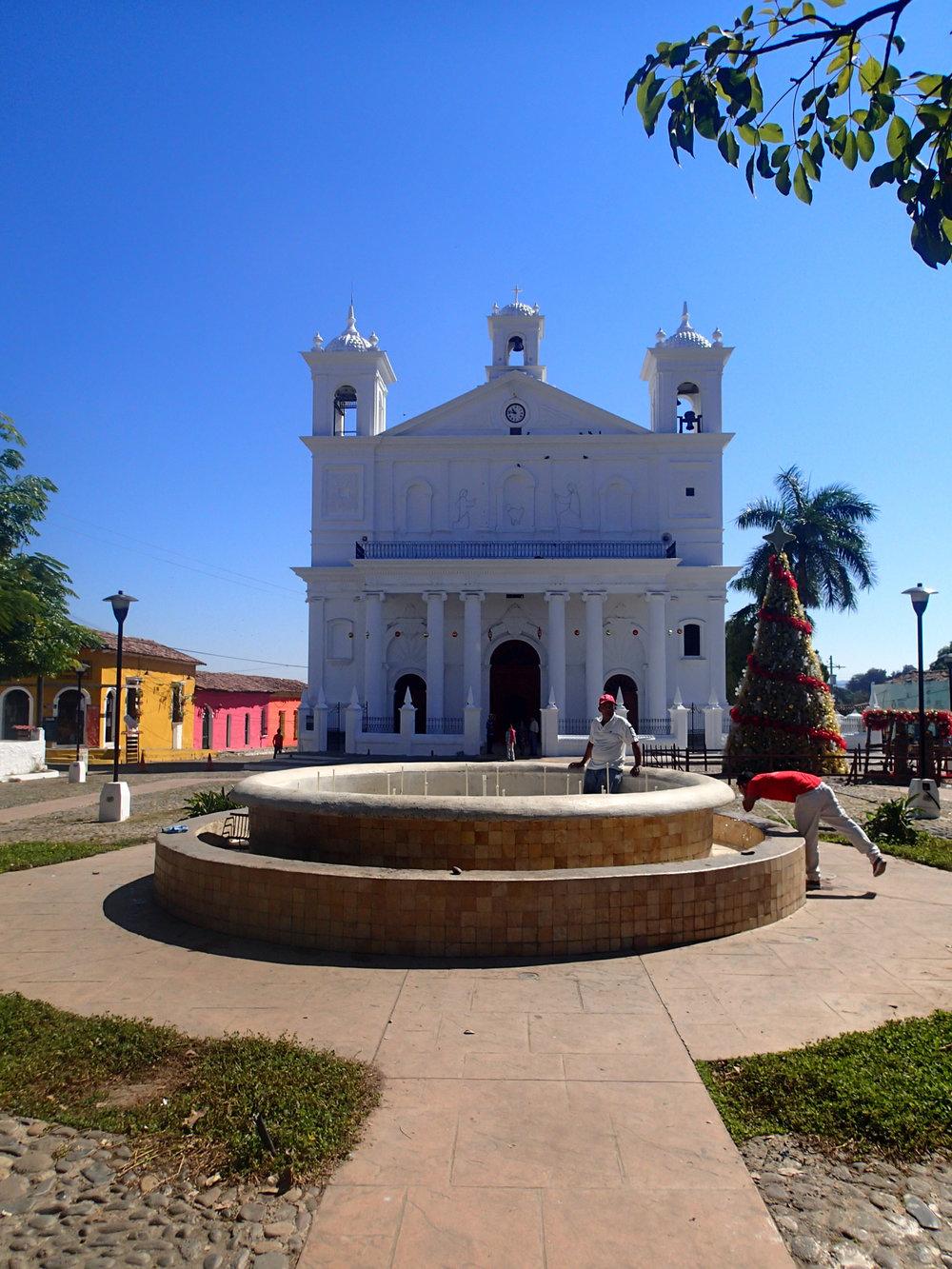 Suchitoto cathedral 12-16-14.jpg