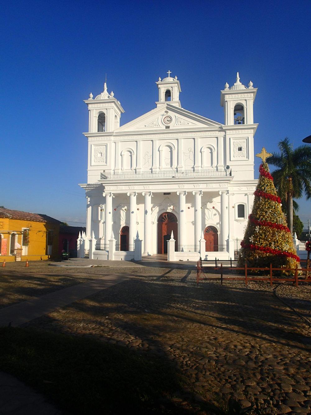 Suchitoto Cathedral.jpg