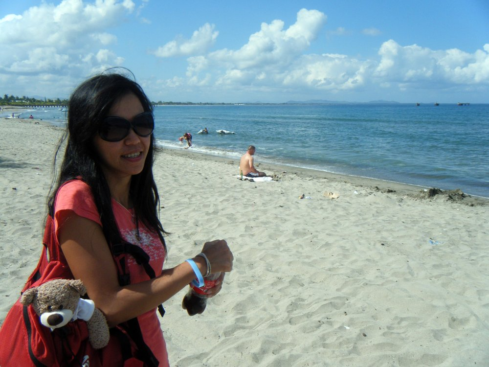 Pei Ciao and FBJ at Tela beach.jpg