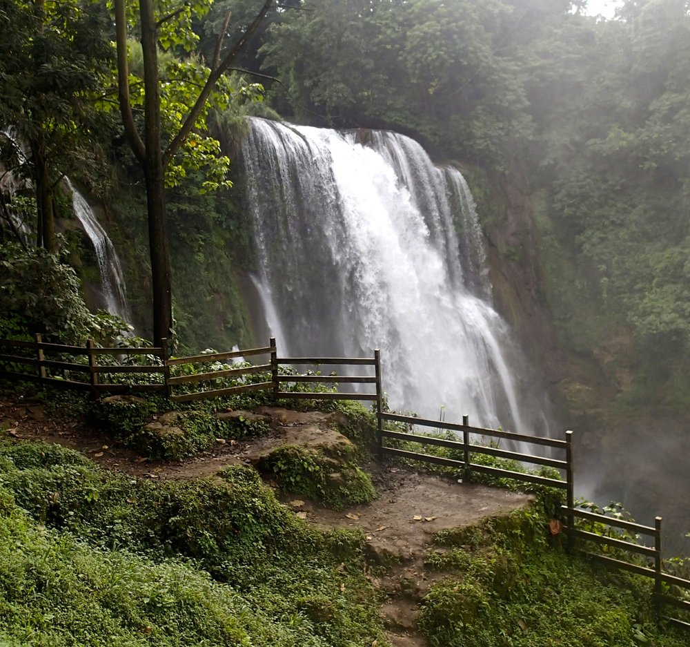 Pulhapanzak waterfall 12-20-13.jpg