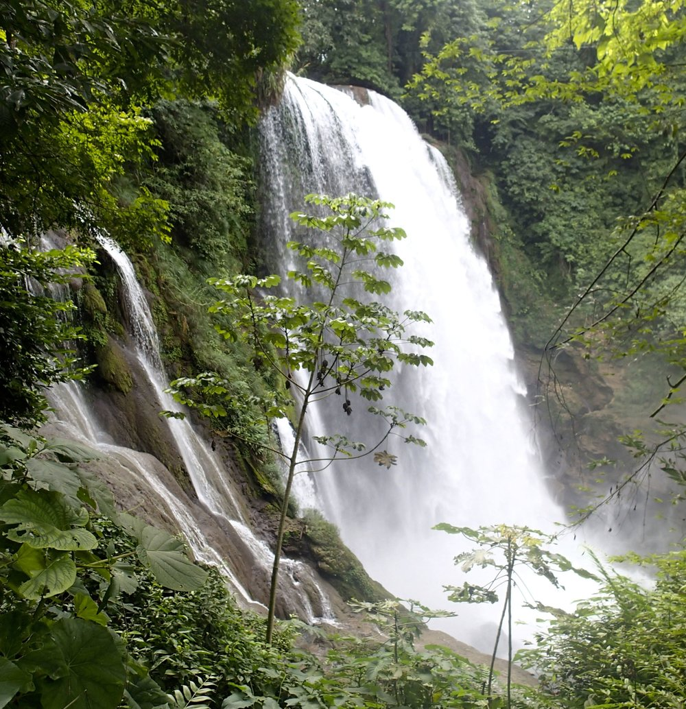 Pulhapanzak falls.jpg