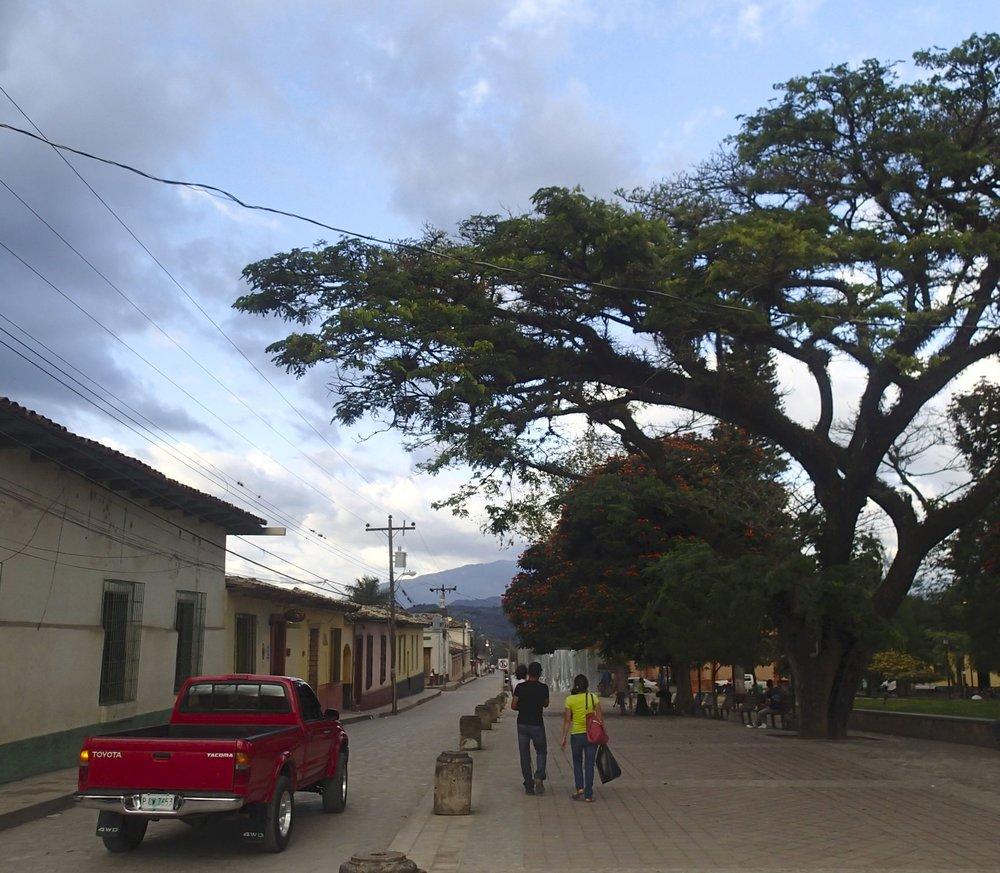 mean streets of Gracias.jpg
