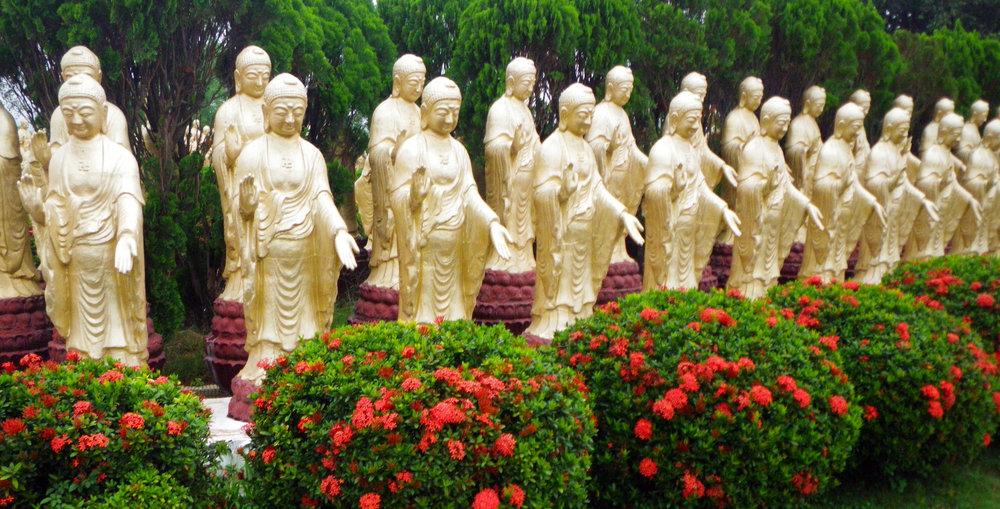 Buddha Garden Foguangshan monastery.jpg