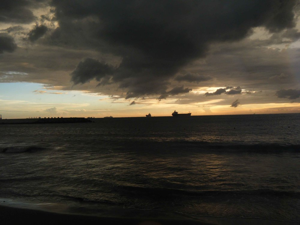 Kaohsiung sunset 7-15-10.jpg