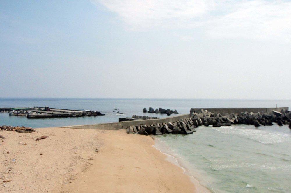 Hsiao liouchiou deserted beach.jpg