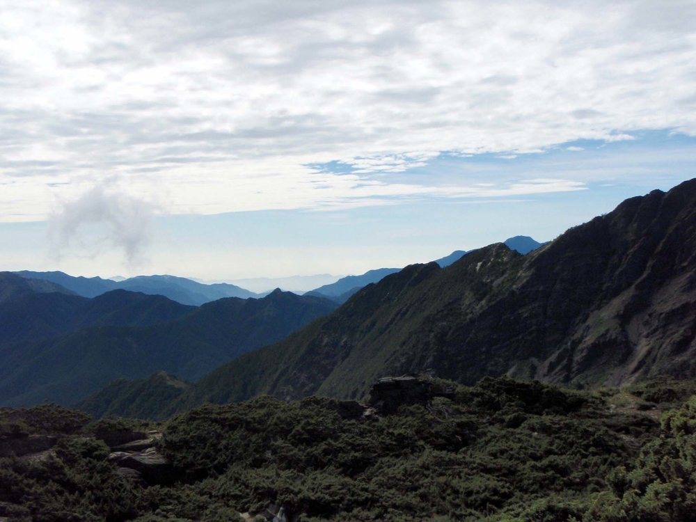 Yushan NP at dawn.jpg