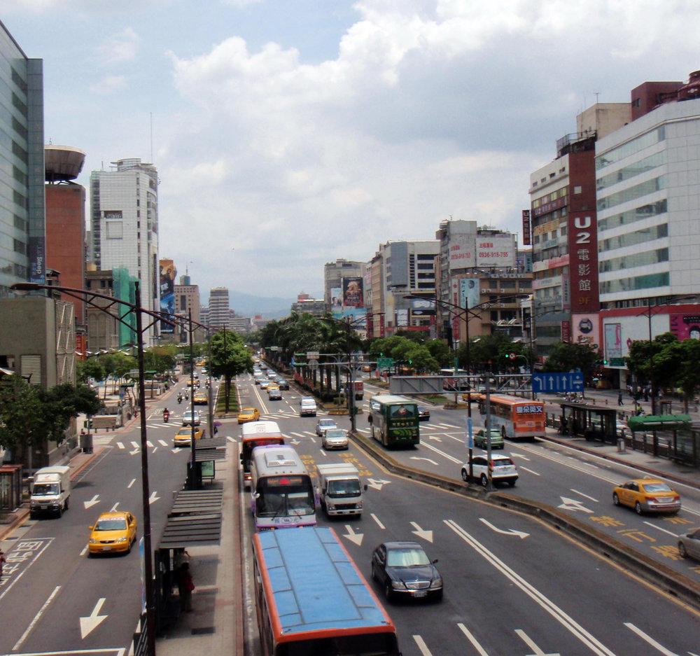 Taipei boulevard.jpg