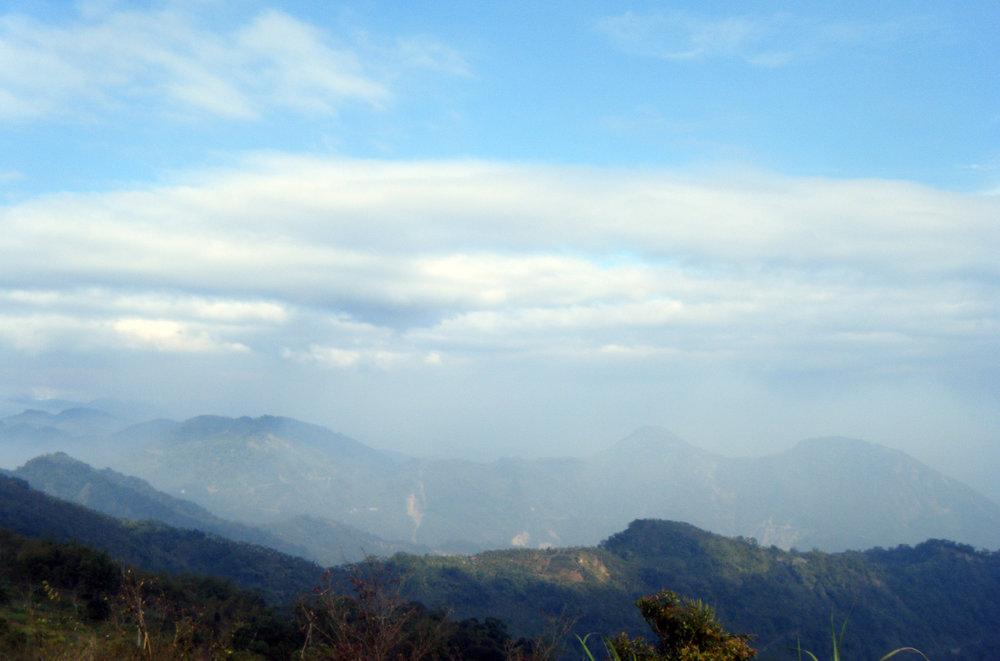 Taiwan mountains 2013.jpg
