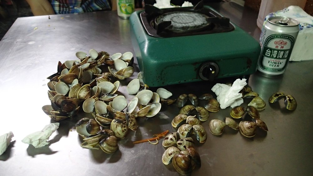 clams and beer.jpg