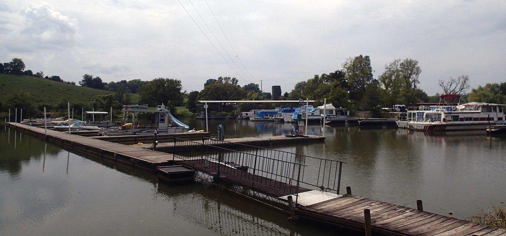 Knoxville marina.jpg