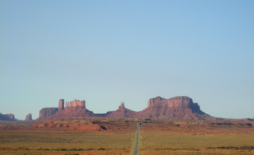 the road to Monument Valley.jpg