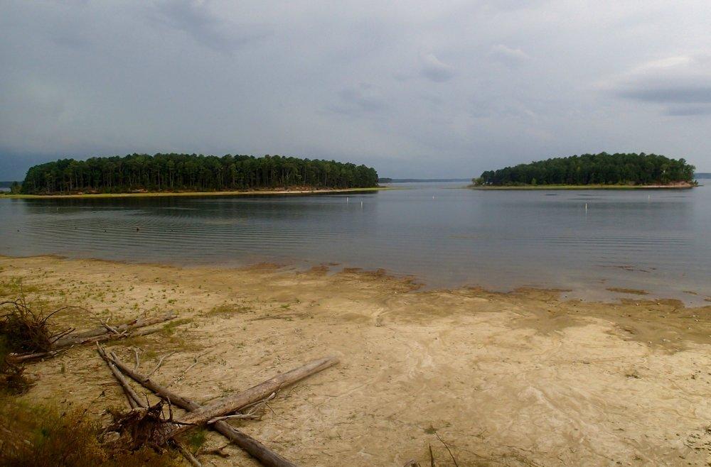 islands in the reservoir.jpg