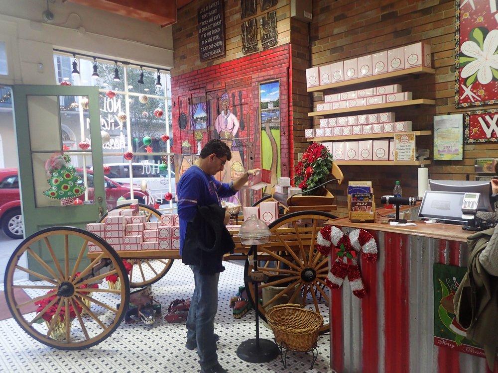hot sauce and praline store.jpg