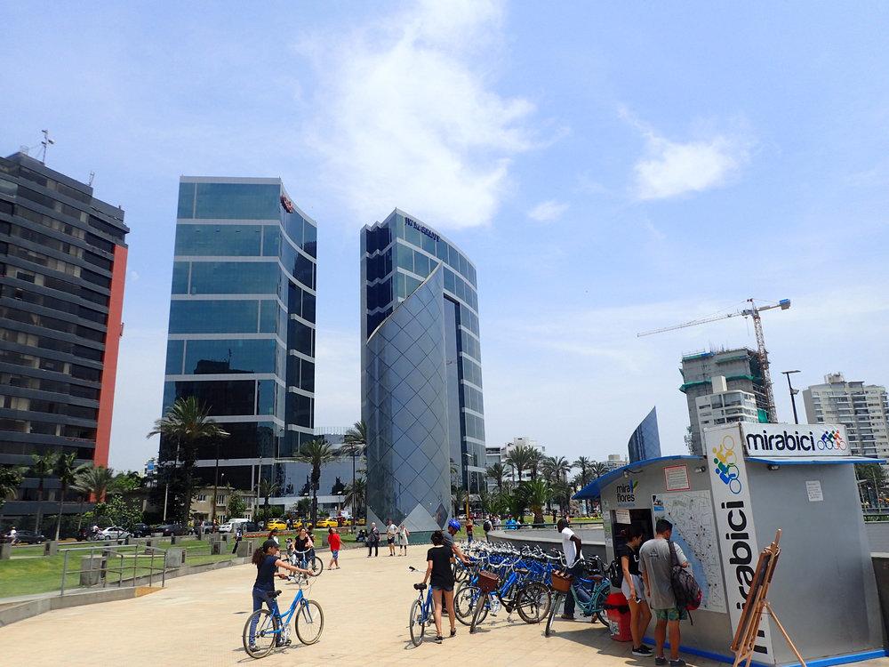 sunny day in Lima.jpg